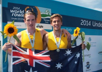 Hargreaves and Wheatley with medals